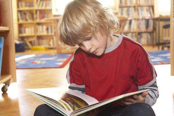 儿童早期的艺术教育发展